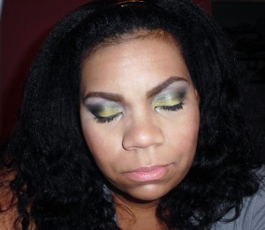 grey and yellow smokey eye