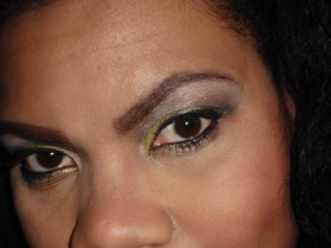 grey and yellow eotd