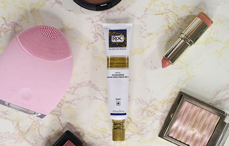 A review of the RoC Retinol Correxion Deep Wrinkle Daily Moisturizer. Along with a look at the #RoCWrinkleRanking charts. See where your state is ranked. www.growitgirl.com