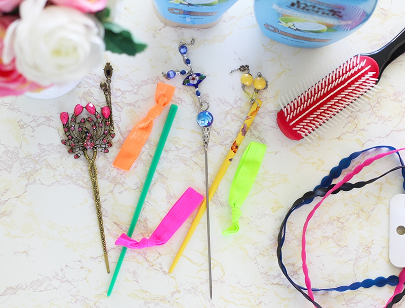 5 Tips For Perfect Summer Hair Ouchless Ponytail Holders and Hair Chopsticks