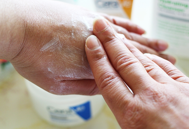 dry girl's guide to skincare using CeraVe Moisturizing Cream