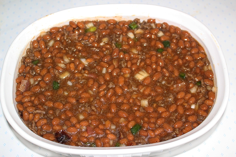 southern-style-baked-beans-with-ground-beef-and-bacon