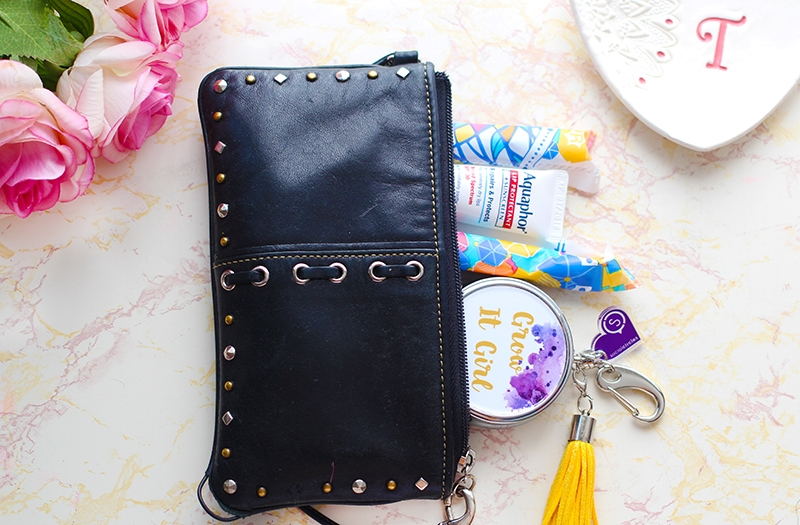 surviving-an-unruly-period_tampax-pocket-pearl