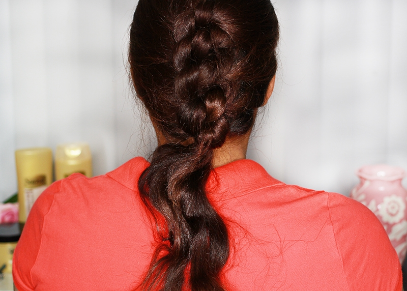 knotted-updo-with-ends-out