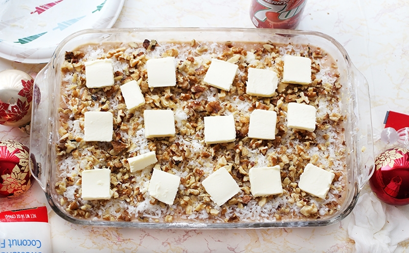 coconut-flakes-and-walnuts-on-the-dump-cake