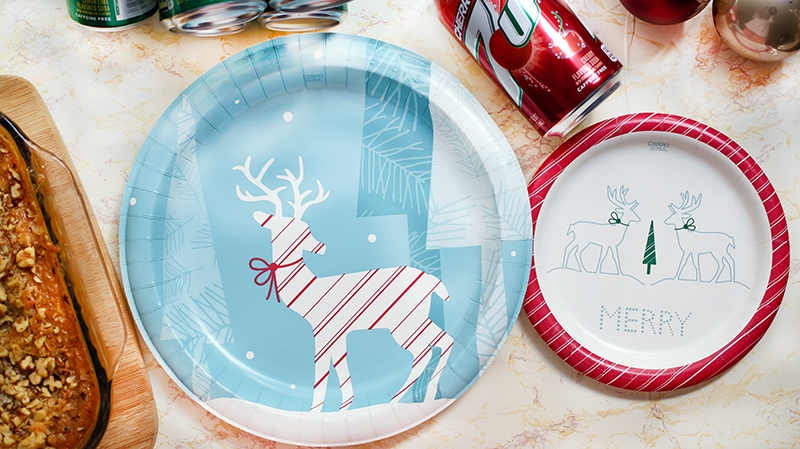dixie-reindeer-plates