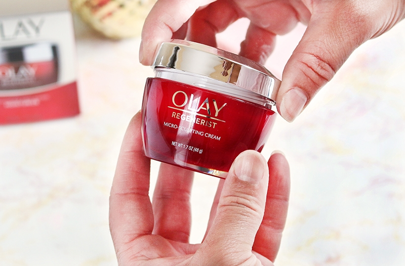 Olay Regenerist Micro-Sculpting Cream Top and Container